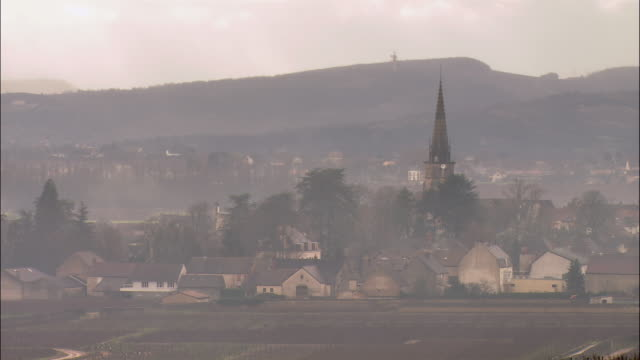 WS Townscape through fog / Burgundy, France