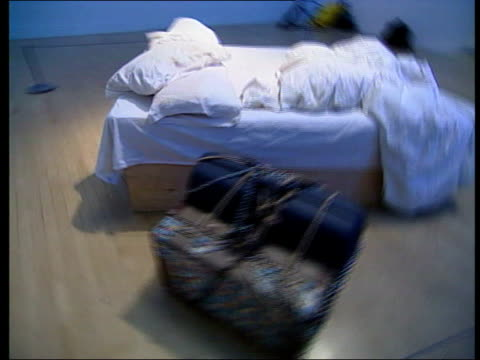 Tracey Emin knickers exhibit LIB London Tate Gallery INT Unmade bed that forms part of an exhibition of work by artist Tracey Emin TRACK C4N