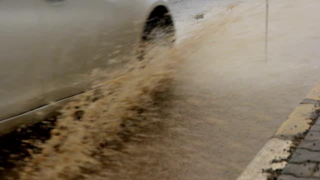 Verkehr in Regen
