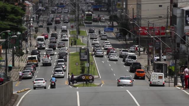 Traffic in the daytime / Curitiba, Brazil