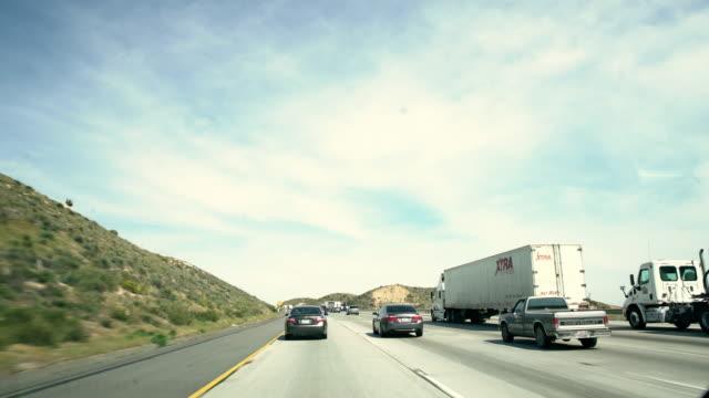 POV-Verkehr auf einer Autobahn in Kalifornien