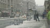 WS Traffic on Oxford street in snow, London, United Kingdom