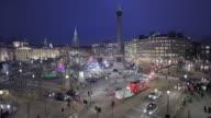 WS HA Traffic on Trafalgar Square at night / London, England