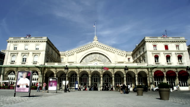 Stazione ferroviaria di Parigi, Francia