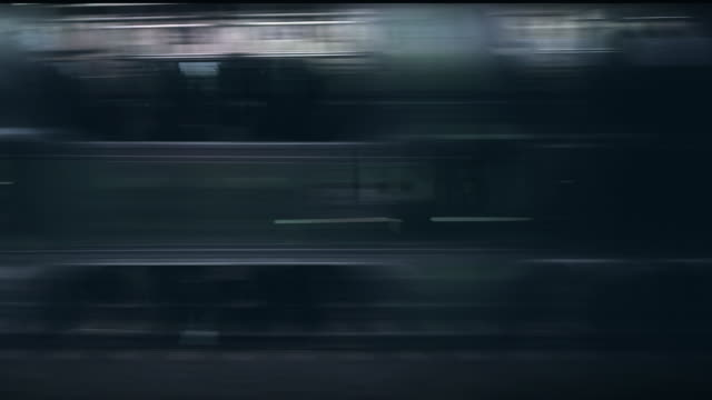 Zug und U-Bahn Loop