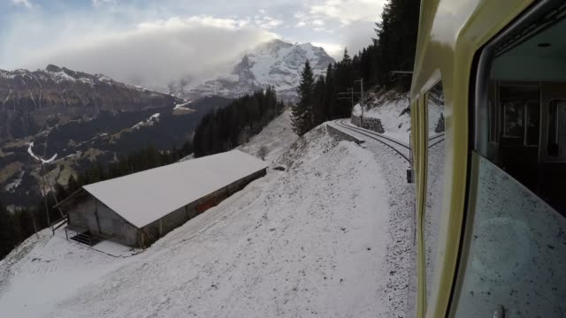 Train to Murren, Jungfrau region, Bernese Oberland, Swiss Alps, Switzerland, Europe