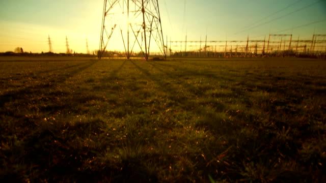 Getriebe Turm bei Sonnenuntergang