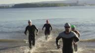 Triathletes formazione di triathlon