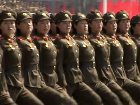 Troops march in perfect synchrony