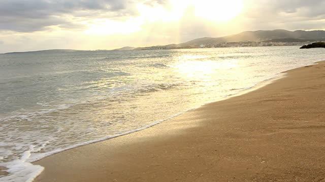 Tropischen Sandstrand Meer zeigt palm Sonnenschirme Mallorca Palma Mallorca
