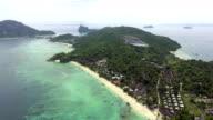 Tropischen weißen Sandstrand auf der Insel Phi Phi, Phuket, Thailand