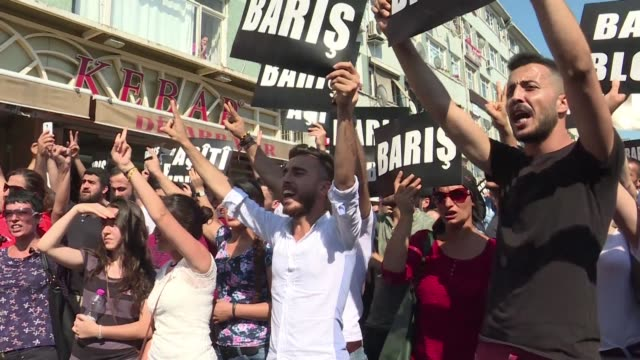 Turkish protestors braved the ban on demonstrations to rally against what they called complicity between the ruling party and the Islamic State
