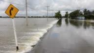 Turn right flooding.