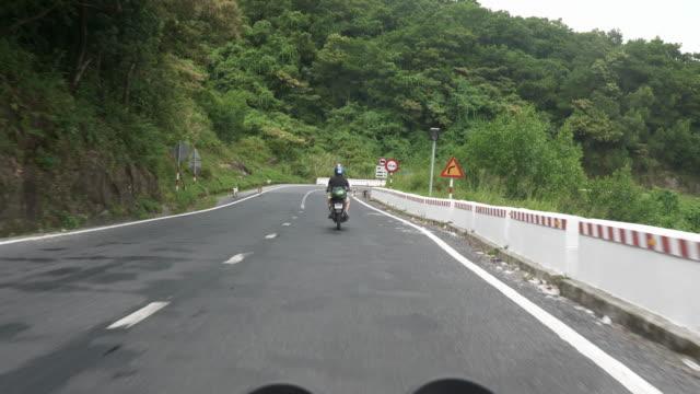 FPV zwei Freunde auf einem Motorrad Reise durch Vietnam