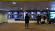 Twee video's van de passagier op de luchthaven in 4K