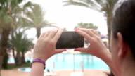 Twee video's van het nemen van een foto in de echte Slowmotion