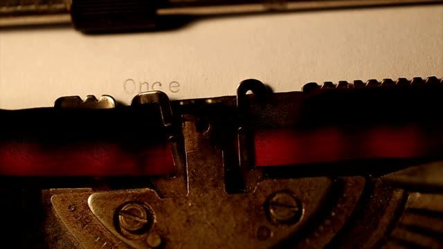 Mit einer alten Schreibmaschine getippt