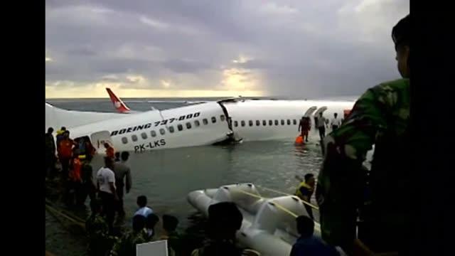 Un accidente aereo en Bali se salda sin ninguna victima mortal pero suma otro capitulo negro a Lion Air que recientemente firmon con Airbus el mayor...