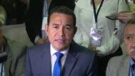 Un comediante sin ninguna experiencia politica Jimmy Morales es el mas votado en las presidenciales del domingo en Guatemala pero debera disputar una...