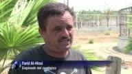 Un hedor macabro planea sobre el zoo Al Bisan en la Franja de Gaza donde se mezcla el olor a putrefaccion con los efluvios de las jaulas abandonadas...