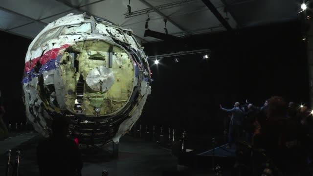 Un misil ruso BUK derribo el pasado ano el vuelo MH17 de Malaysia Airlines en el este de Ucrania matando a 298 personas concluyo la investigacion...