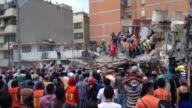 Un poderoso sismo que sacudio Mexico el martes dejo mas de un centenar de muertos de acuerdo a los primeros reportes de autoridades locales