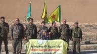 Una fuerza kurdo arabe apoyada por Estados Unidos lanzo el domingo una gran ofensiva para reconquistar Raqa capital de facto del grupo Estado...