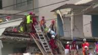 Una montana rusa de esperanza y angustia vivían el viernes familiares de personas reportadas con vida en edificios colapsados de la capital mexicana...