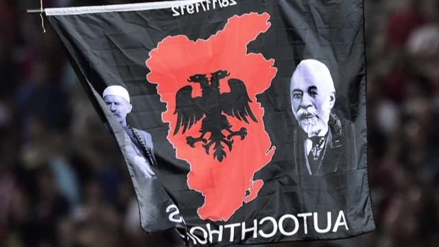 Una semana despues de la suspension del partido de clasificacion para la Eurocopa 2016 entre Serbia y Albania ninguno de los paises se responsabiliza...