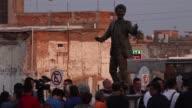 Unas 100000 personas rindieron homenaje en Ciudad Juarez a Juan Gabriel al cumplirse el lunes el primer aniversario de la muerte del cantante y...