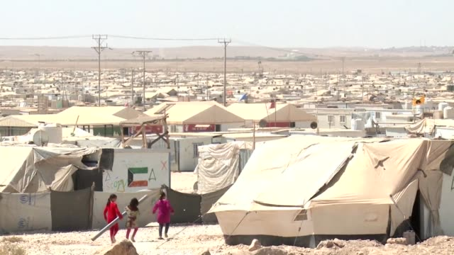 UN Undersecretary for Humanitarian Affairs Stephen OBrien visited the Zaatari camp for refugees from Syria in Jordan