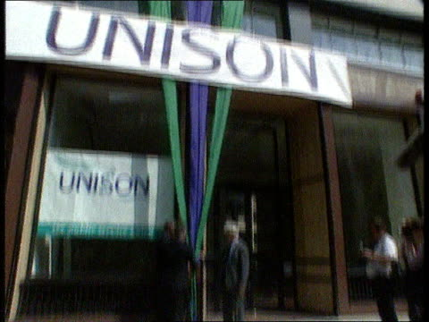 Unison ENGLAND London LAGV Upper floors of TUC HQ TILT DOWN to Rodney Bickerstaffe Hector Mackenzie and Alan Jinkinson hold hands together LACMS...