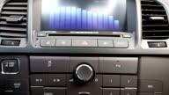Usando il sistema stereo audio auto