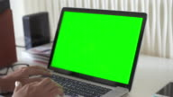 Using Computer Laptop With Green Screen