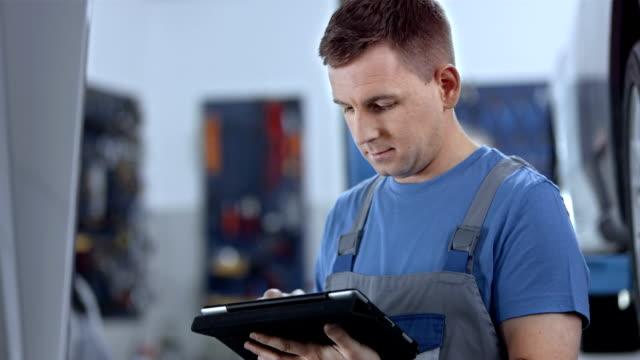 Nutzung digitalen Tablet für ein Auto-Diagnose