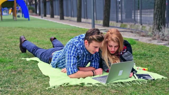 Using laptop on blanket