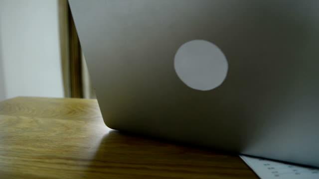 Laptop benutzen