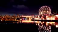 Skyline von Vancouver mit Science world und das Stadion, Kanada
