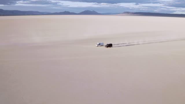 Vans Racing door de woestijn