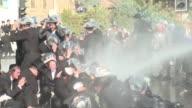 Varios cientos de judios ultraortodoxos se manifestaron el domingo en Jerusalen para protestar contra una decision de la Corte Suprema israele que...