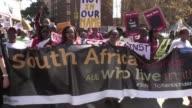 Varios miles de personas desfilaron el jueves por el centro de Johannesburgo para mostrar su rechazo a la violencia xenofoba