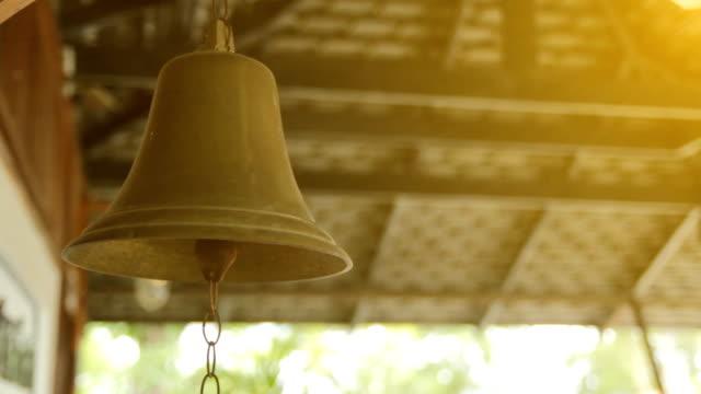 VDO-golden Bells
