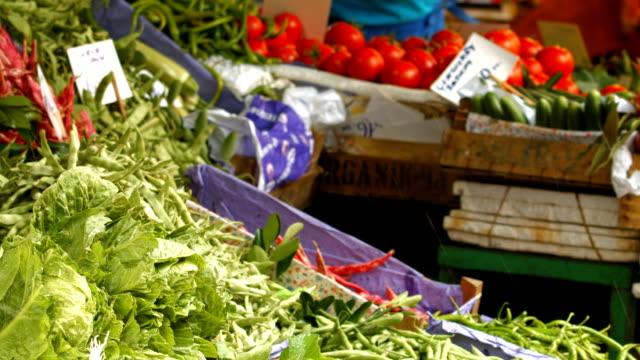 HD: Vegetables at farmer's market