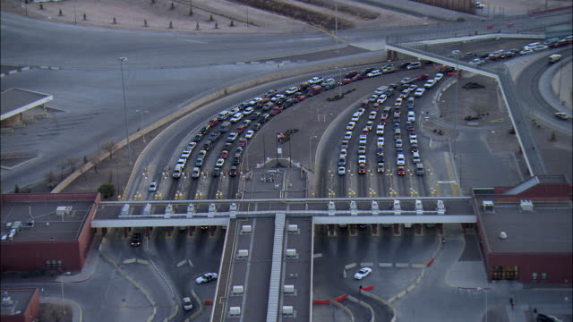 ZO AERIAL Vehicles at checkpoints at US-Mexican border, El Paso, Texas, USA