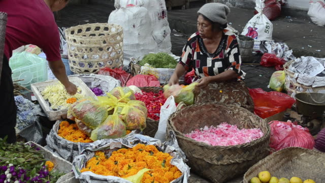 ubud mature singles Craigslist provides local classifieds and forums for jobs, housing, for sale, services, local community, and events.