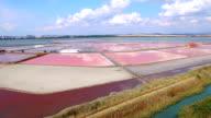 4K Video Luftaufnahme der roten Salzbergwerke