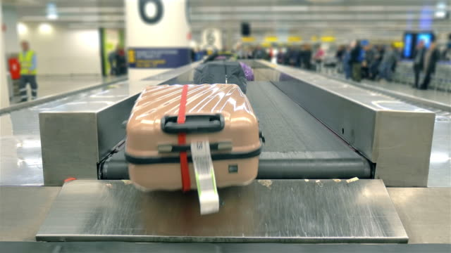 Video of luggage carousel in 4K