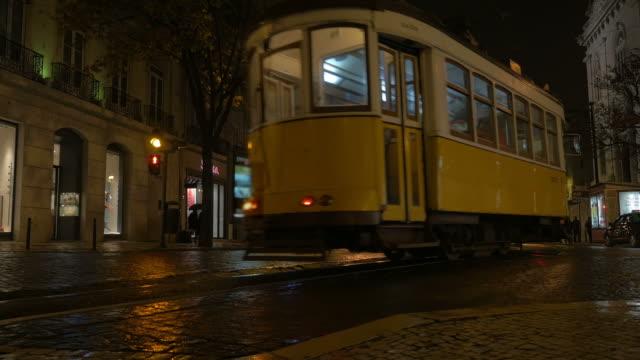 Video of tram in Lisbon in 4K