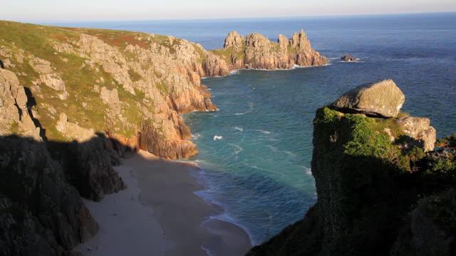 View Logan Rock headland, Pednvounder Beach, Porthcurno, Cornwall, UK
