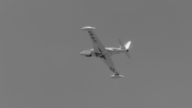 WS TS View of Airplane in flight